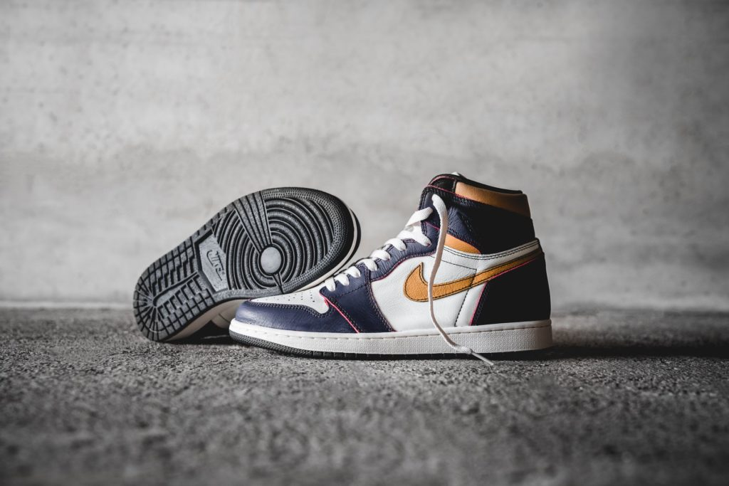 NIKE SB X AIR JORDAN 1 HIGH OG LA to CHICAGO