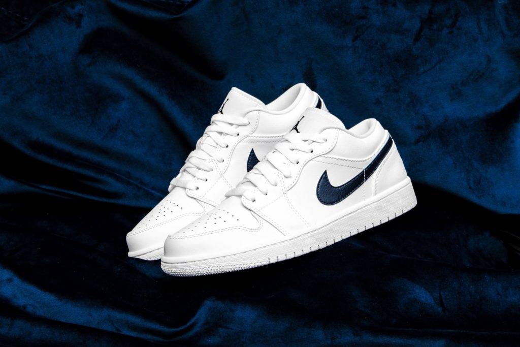 AIR JORDAN 1 LOW WHITE / OBSIDIAN