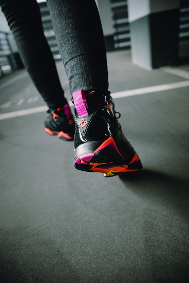 WOMEN'S AIR JORDAN 7 RETRO BLACK GLOSS