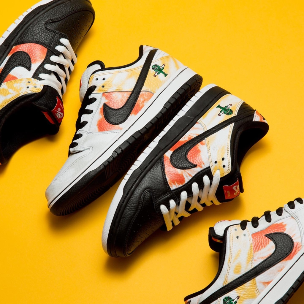 NIKE SB DUNK LOW PRO QS ROSWELL RAYGUNS