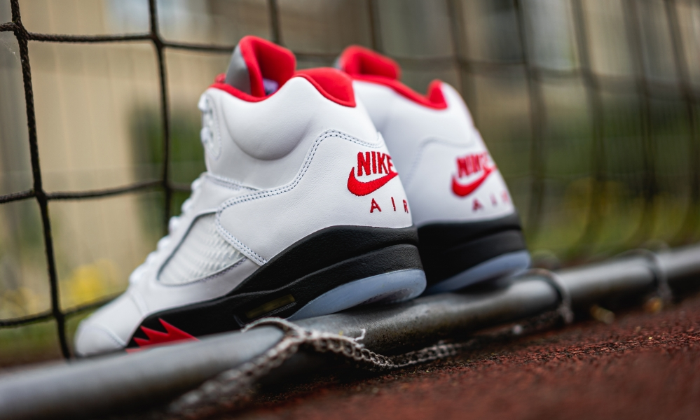 AIR JORDAN 5 RETRO FIRE RED DA1911-102