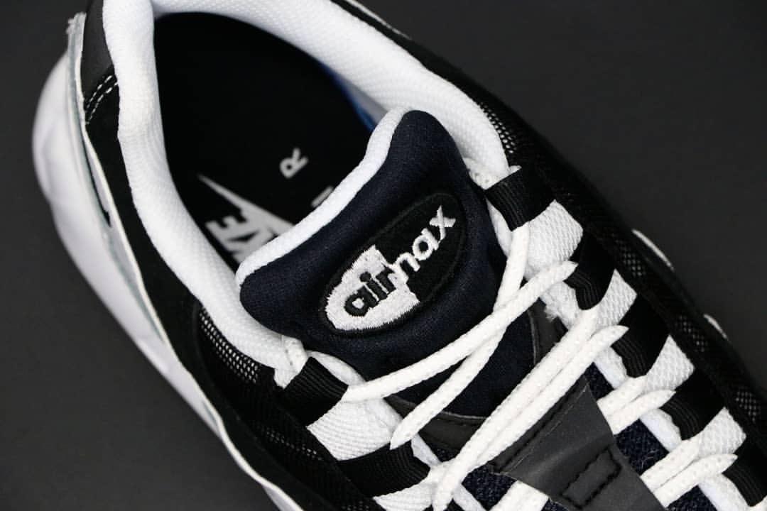 【国内発売中】ナイキ エア マックス 95 ブラック & ホワイト (CK6884-001,-100)