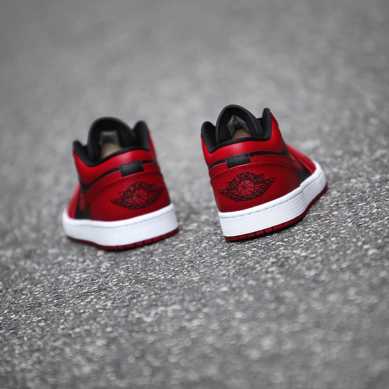 AIR JORDAN 1 LOW VARSITY RED & BLACK