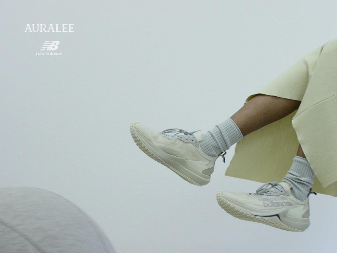 8月15日 発売予定 AURALEE × New Balance FuelCell Speedrift